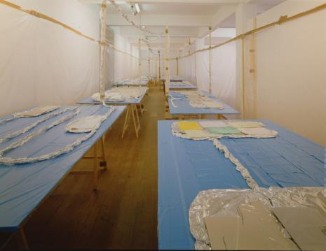 Thomas Hirschhorn_Galerie_Susanna Kulli_1996