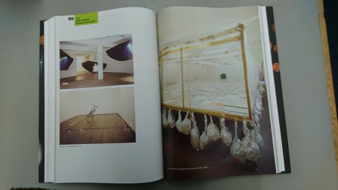 Publikation 33 Jahre_Galerie Susanna Kulli_Ein Materialbuch_Hrsg. Max Wechsler_Peter Zimmermann